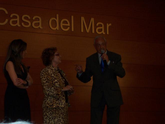 MaríaDolores Calvo Romero en la presentación de su monográfico en Barcelona junto a Montse y Jordi