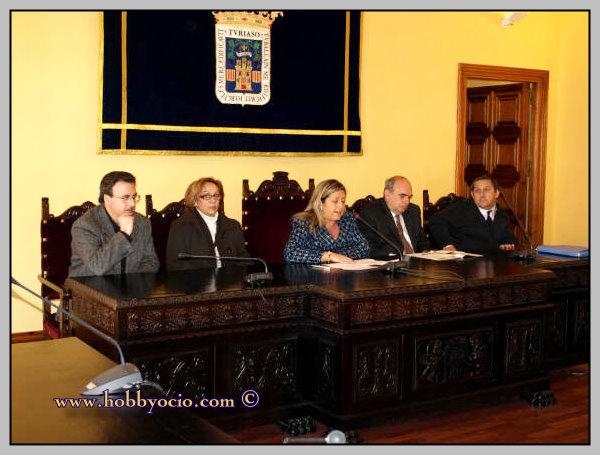 HOMENAJE A RQUEL MELLER. Marzo 2008. Acto prelimminar. Julia Pascual tnte de alcalde Tarazona.