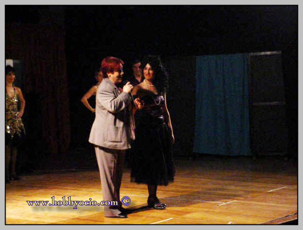 GALA RELICARIOS DE PLATA 2007. ASOC. RAQUEL MELLER.CORITA VIAMONTE CON RETABLO TEATRO.
