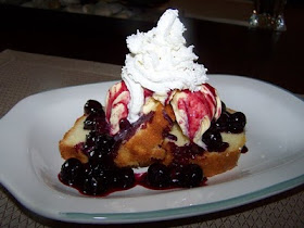 Blueberry Poundcake Sundaes