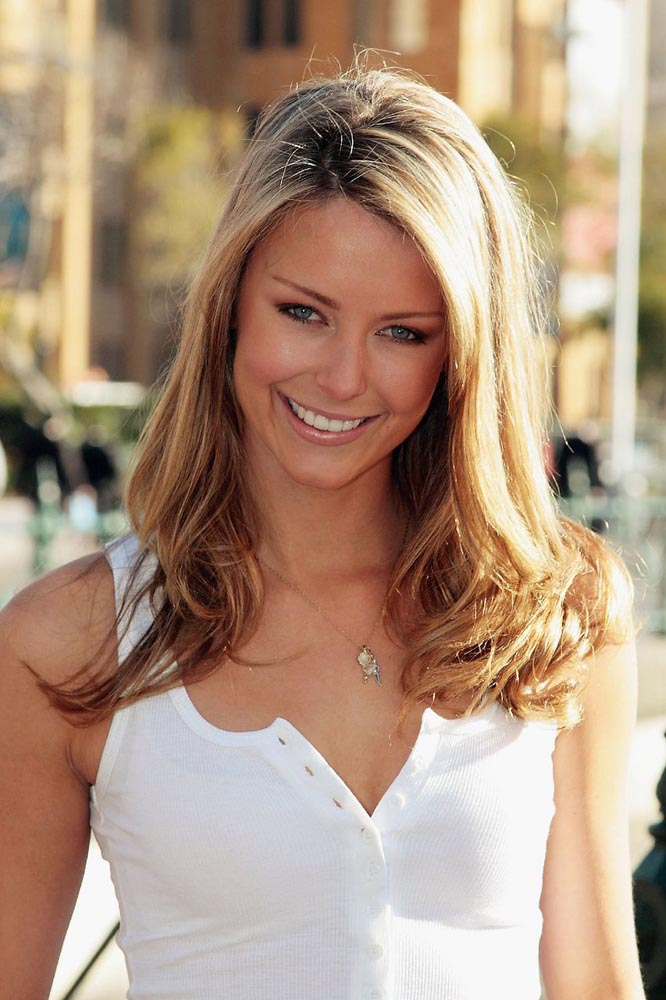 Jennifer Hawkins Miss Universe 2004 photo