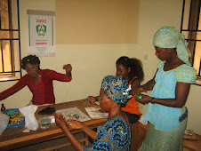 Some of the trainees with Rosemary during the bead-making class...