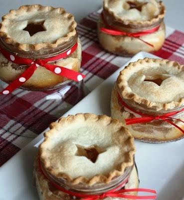 DIY Mini Apple Pie Bites for Fall l Homemade Recipes http://homemaderecipes.com/course/desserts/14-homemade-apple-pie-recipes