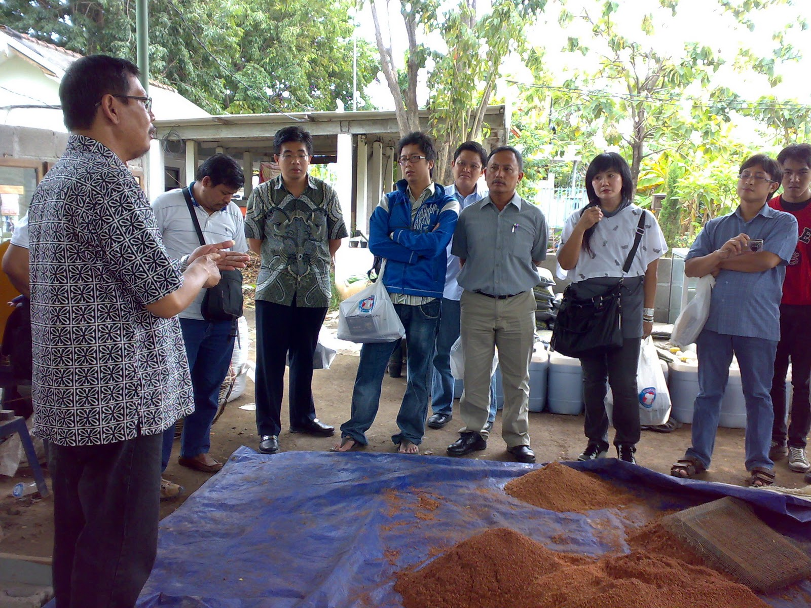November 2010 Pelatihan Usaha Kecil Ukm Industri Rumah Tangga Produk Bumn Kripik Kripixx Jamoer Jamur Surabaya Program Go Green Memungkinkan Menengah Tumbuh Dan Berkembang Dalam Pupuk Skala Karena Pemerintah Tahun Ini