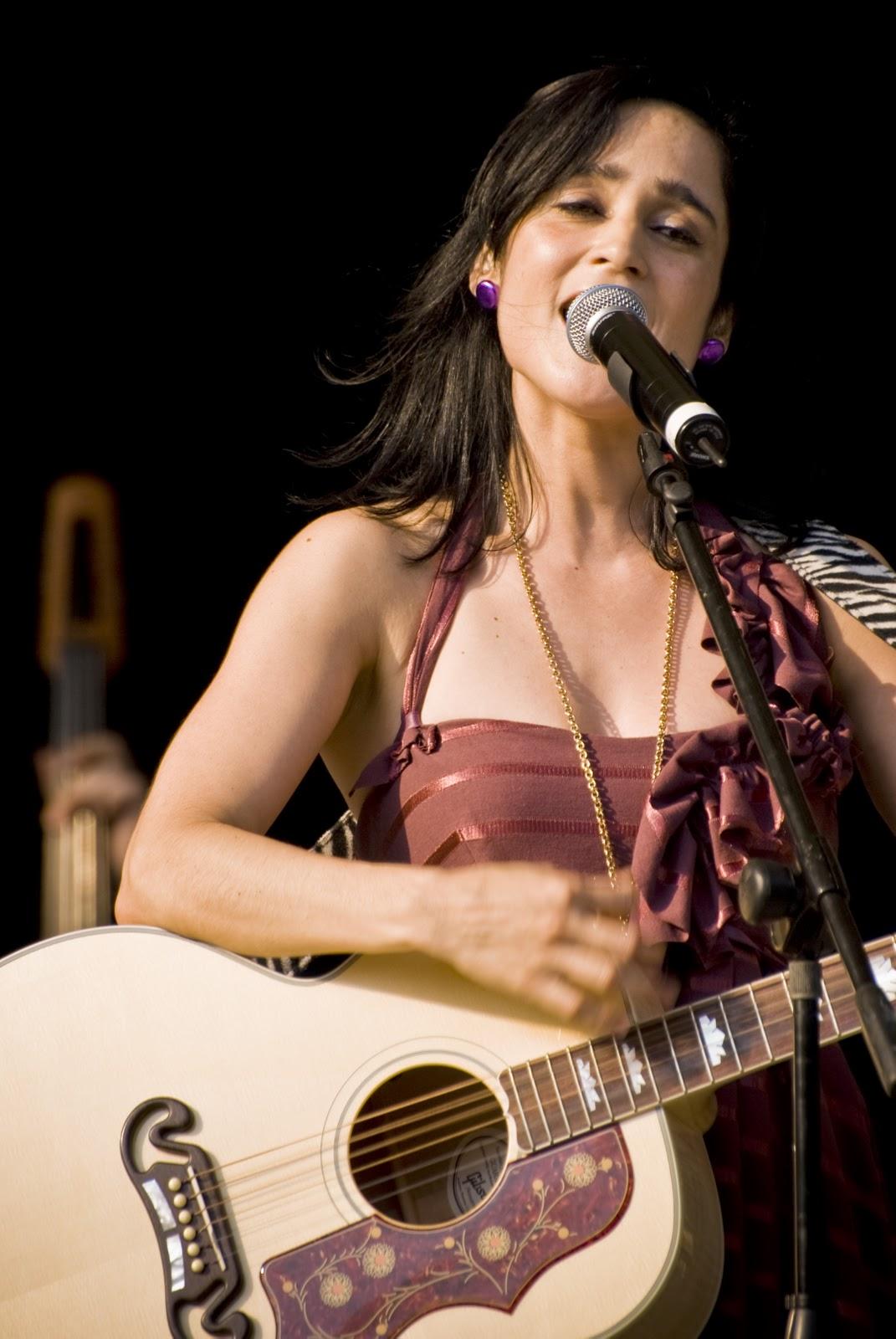 Julieta Venegas Net Worth