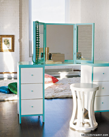 jpm design make up vanities. Black Bedroom Furniture Sets. Home Design Ideas