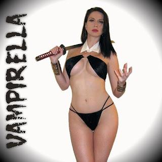 Cosplay Kitten as Vampirella