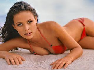 Josie Maran sexy bikini