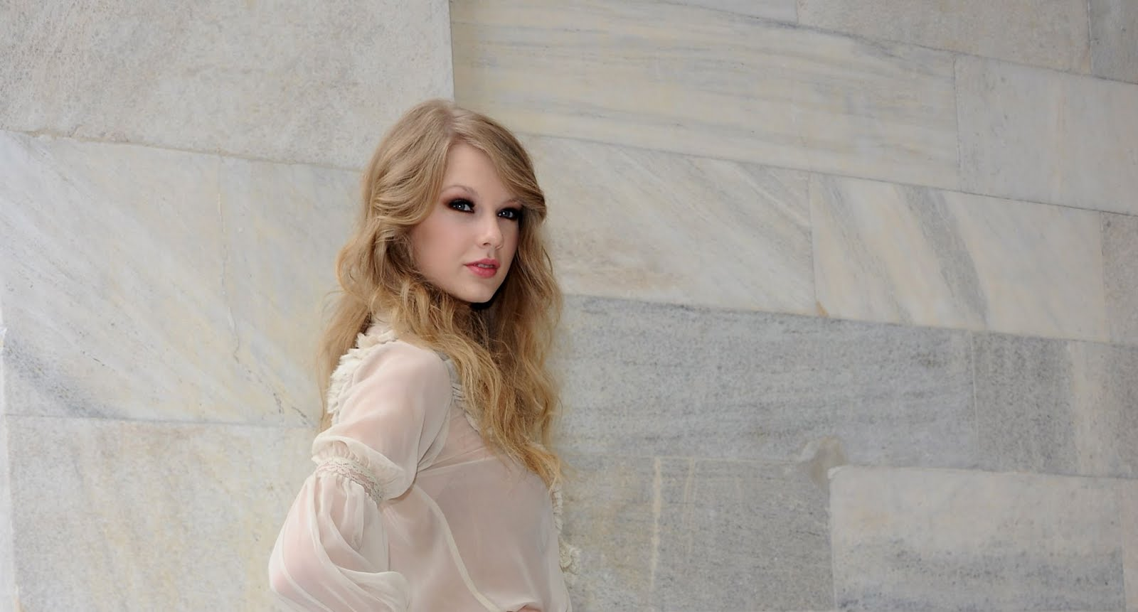 inappropriate celebrity wallpapers taylor swift - photo #18