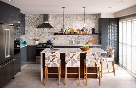 Kitchen Beautiful: No upper cabinets? No problem!