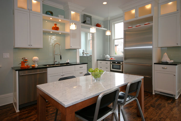 Cottage modern white kitchens what everyone should know for Kitchen designs for everyone