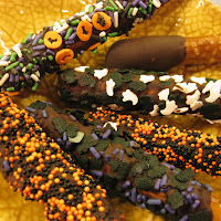 Halloween Chocolate Dipped Pretzel Recipe