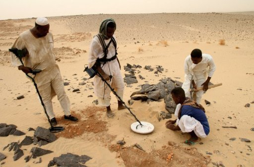 Gold detectors in Sudan