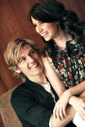 Nuevas parejas (Primera Edición) Emma+roberts+y+alex+pettyfer+fueron+novios.jpg2