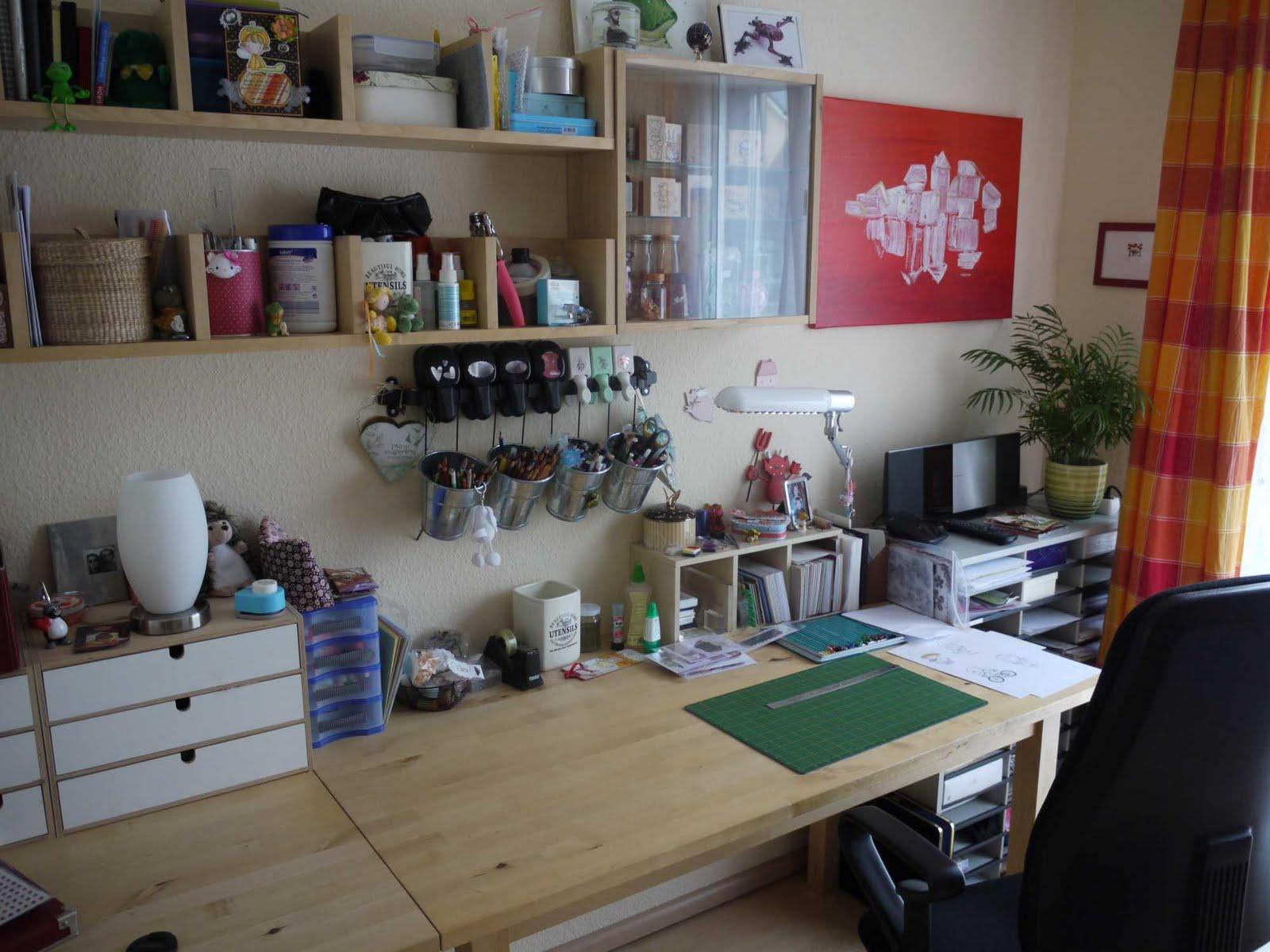 basteltiger s welt kleine bastelzimmer tour little craftroom tour. Black Bedroom Furniture Sets. Home Design Ideas