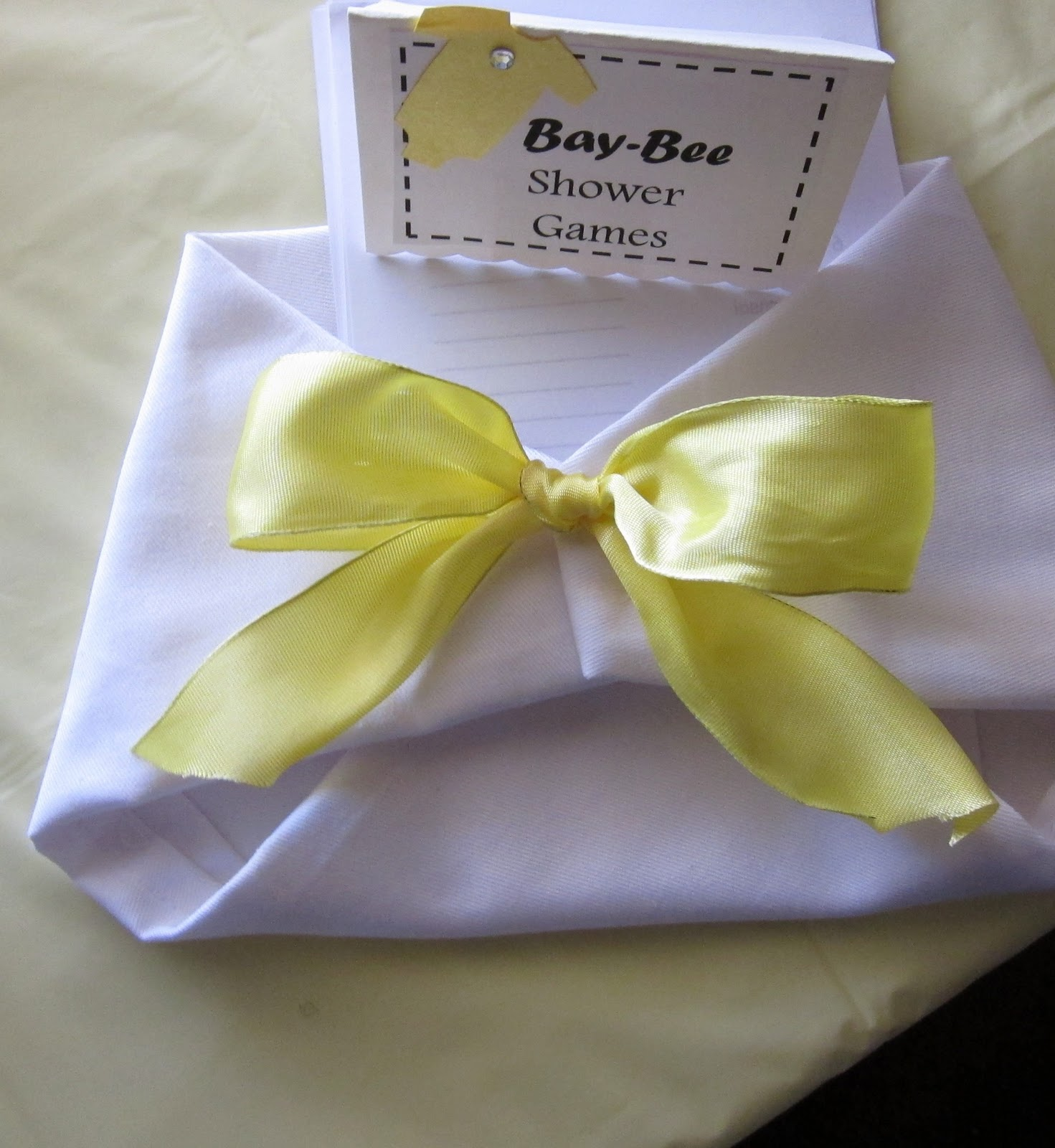 here are the pictures from the bumble bee baby shower i plan to post
