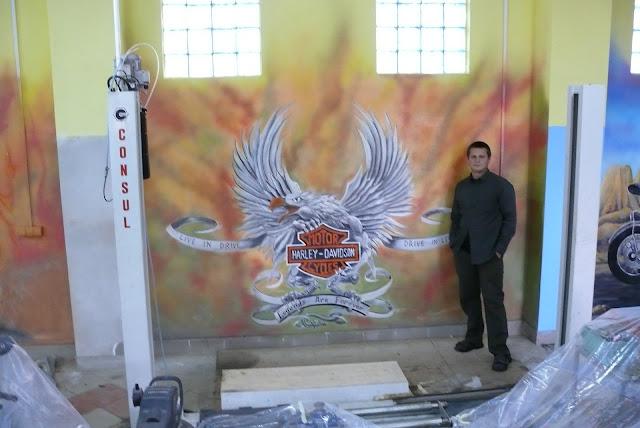 malowanie harleya na ścianie, mural ścienny