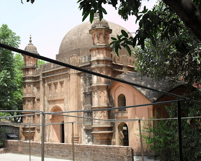 Mosque & Tomb of Khwaja Shahbaz