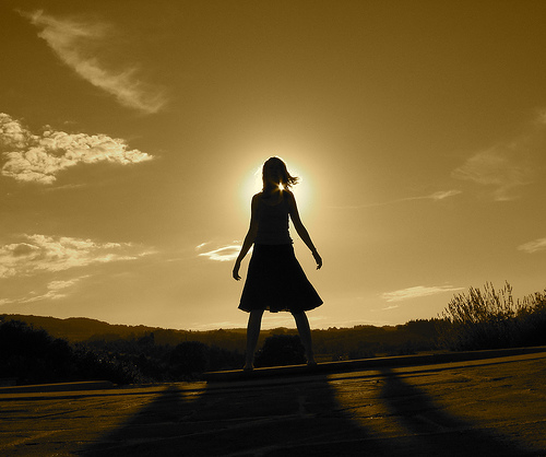 [girl+in+the+sun]