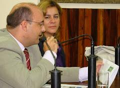SAULO PERES FAZ A LEITURA DA REIVINDICAÇÃO DA MORADORA DA PONTINHA