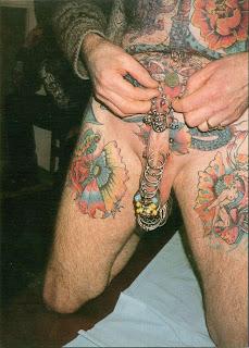 http://4.bp.blogspot.com/_jJ2OW_481xk/ScklPyClRTI/AAAAAAAAAF8/3pqcfpKvsJY/s320/penis+piercing.jpg