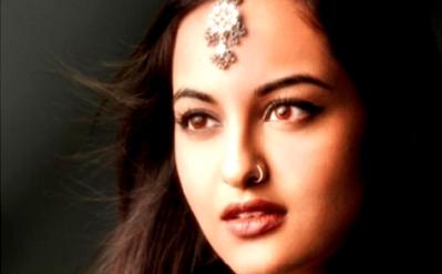 Sonakshi Sinha Seductive Girl