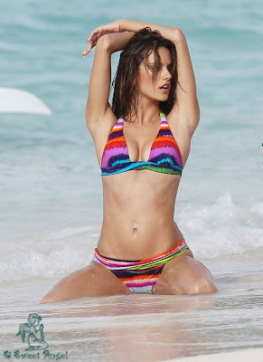 alessandra_ambrosio_hot_wallpaper_12_sweetangelonly.com