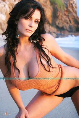 denise_milani_hot_wallpaper_33_www.sweetangelonly.com