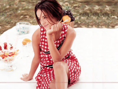 alizee_hollywood_actress_wallpaper_13_sweetangelonly.com