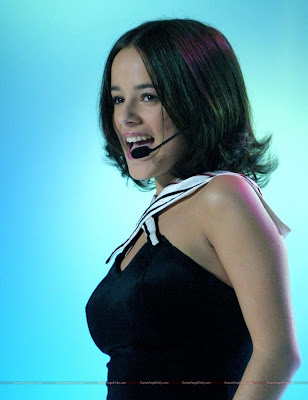 alizee_hollywood_actress_wallpaper_03_sweetangelonly.com