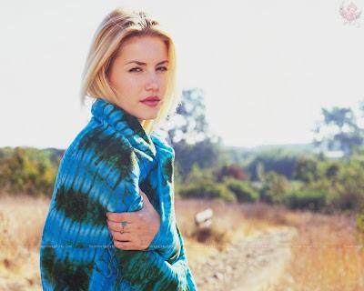 elisha_cuthbert_hollywood_hot_actress_wallpaper_28_sweetangelonly.com