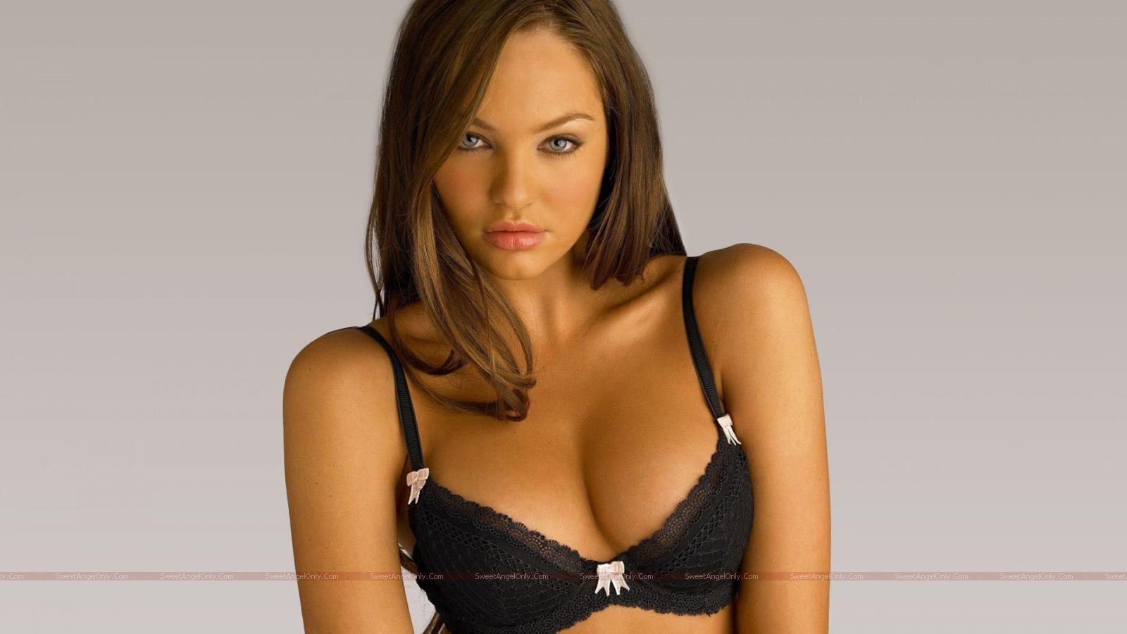 http://4.bp.blogspot.com/_jJPqWg6V3Y8/TTl-wrneEyI/AAAAAAAADp8/wxszPB-t47g/s1600/hollywood_hot_actress_wallpapers_34_01.jpg