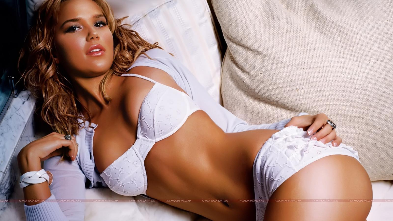 http://4.bp.blogspot.com/_jJPqWg6V3Y8/TTltV8w5MxI/AAAAAAAADnk/VqniOczsflc/s1600/hollywood_hot_actress_wallpapers_18_01.jpg