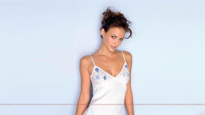 Hollywood_Actress_Hot_Wallpapers_08_SweetAngelOnly.com