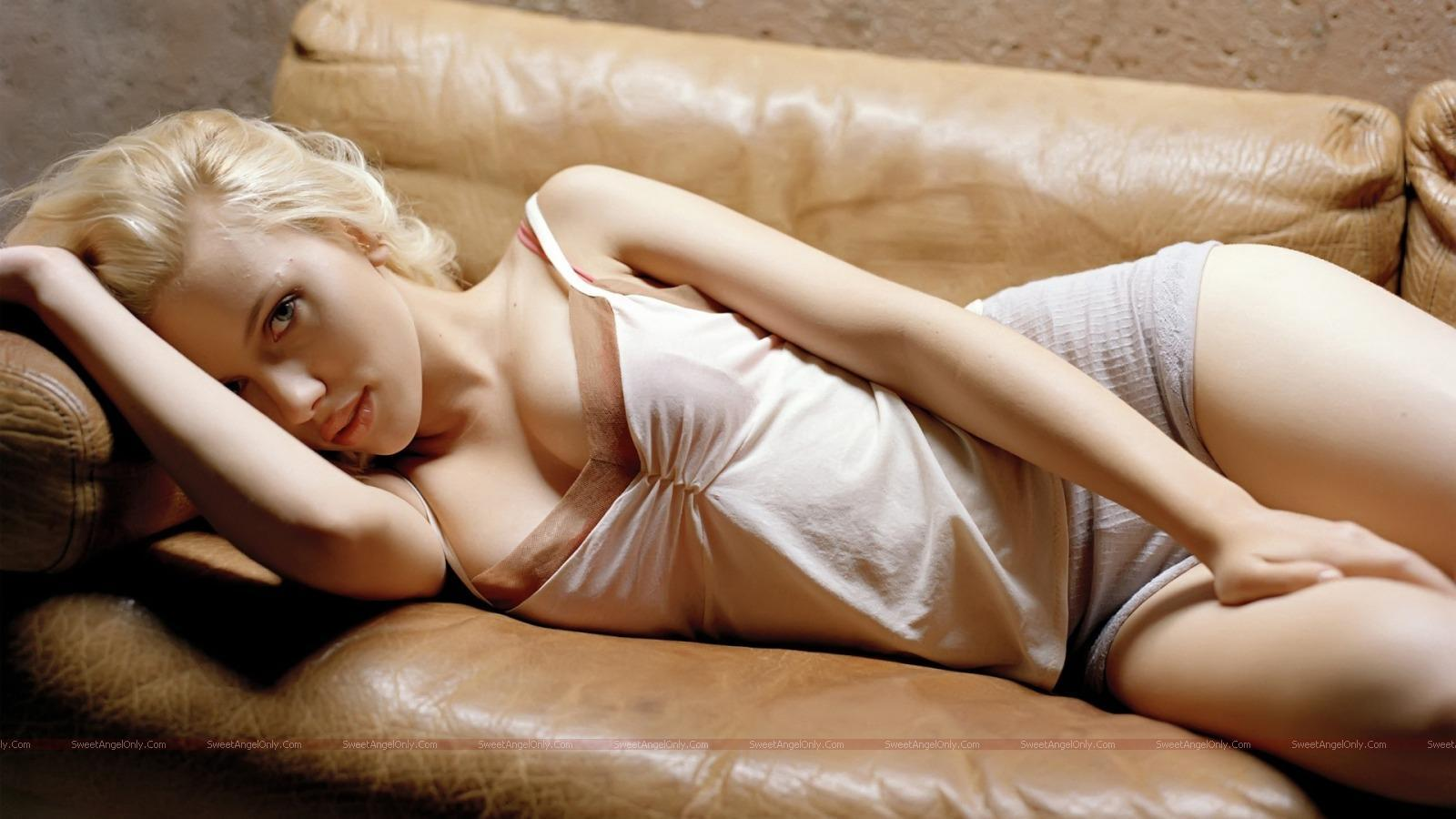 http://4.bp.blogspot.com/_jJPqWg6V3Y8/TUK7hzX0jwI/AAAAAAAAD_U/S6qtqtnwvpw/s1600/hollywood_hot_actress_wallpapers_79.jpg