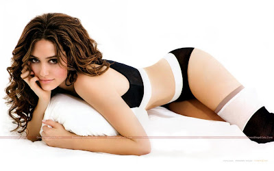 emmy_rossum_hot_wallpaper_37_SweetAngelOnly.com