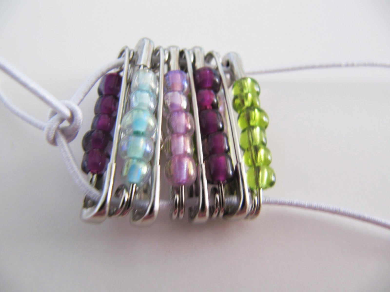Beaded safety pin bracelet bracelets jewelry for Safety pin and bead crafts