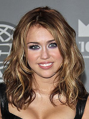 Miley Cyrus Romance Hairstyles Gallery, Long Hairstyle 2013, Hairstyle 2013, New Long Hairstyle 2013, Celebrity Long Romance Hairstyles 2016