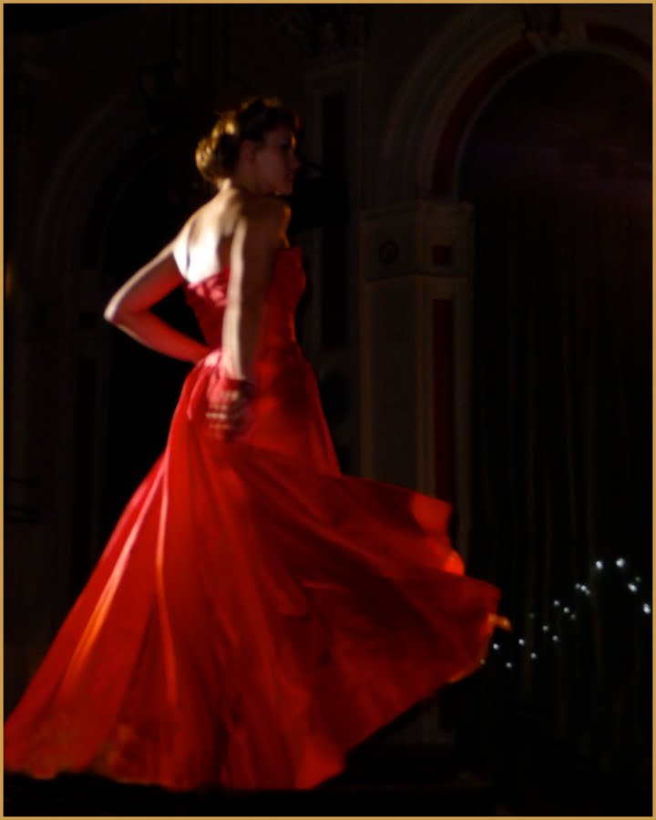 lady in red on pinterest flamenco red gowns and red riding hood. Black Bedroom Furniture Sets. Home Design Ideas