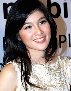 The_Natural_Beauty_of_Indonesian_Women