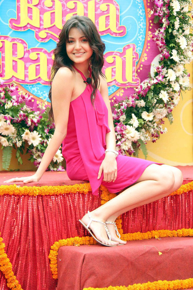 Extreme Funs: Anushka Sharma Latest Wallpapers at her movie 'Band Baaja
