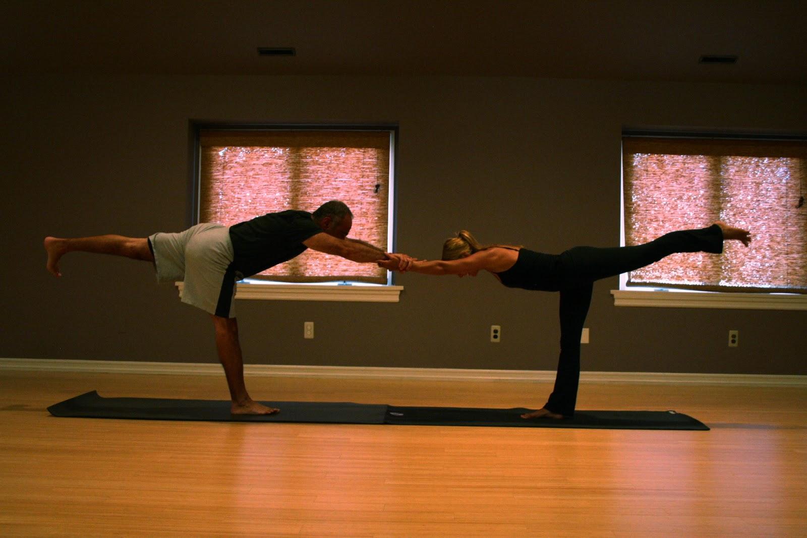Aurorae Yoga: Aurorae's 12 Yoga Poses of Christmas - Day 7