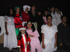 Elenco del Grupo Juvenil de Teatro Manos Mgicas