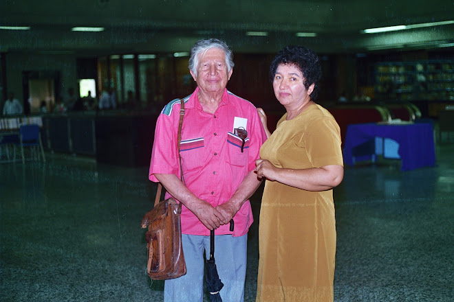 El pintor y maestro Camilo Minero y Gloria Torres