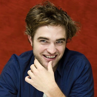 Robert Pattinson Cardboard Cutout on The Only One Who Has A Robert Pattinson Cardboard Cutout    Page 4