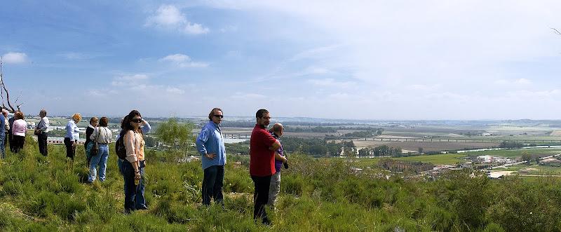 Contemplando el paisaje desde la cima del Cerro de la Bola