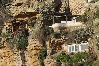 Dependencias excavadas en la roca