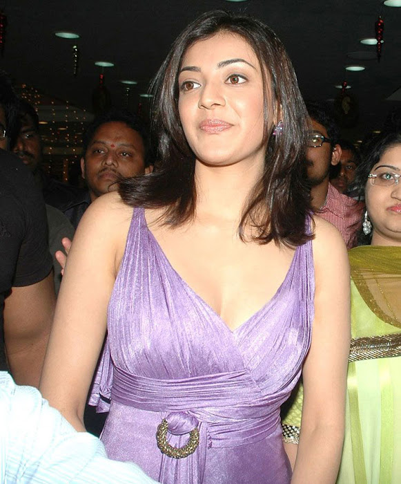 kajal opening of desinger mall of kalanikethan actress pics