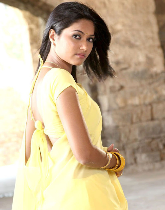 suhasini mouna ragam heroine in saree photo gallery