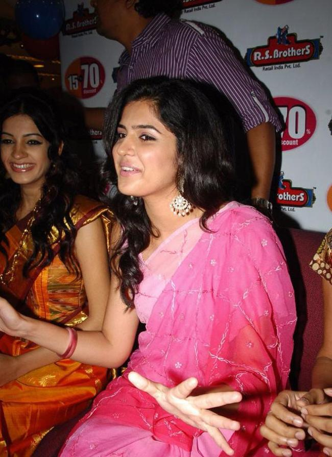 Tollywood Actress Deeksha Seth in pink Saree unseen pics